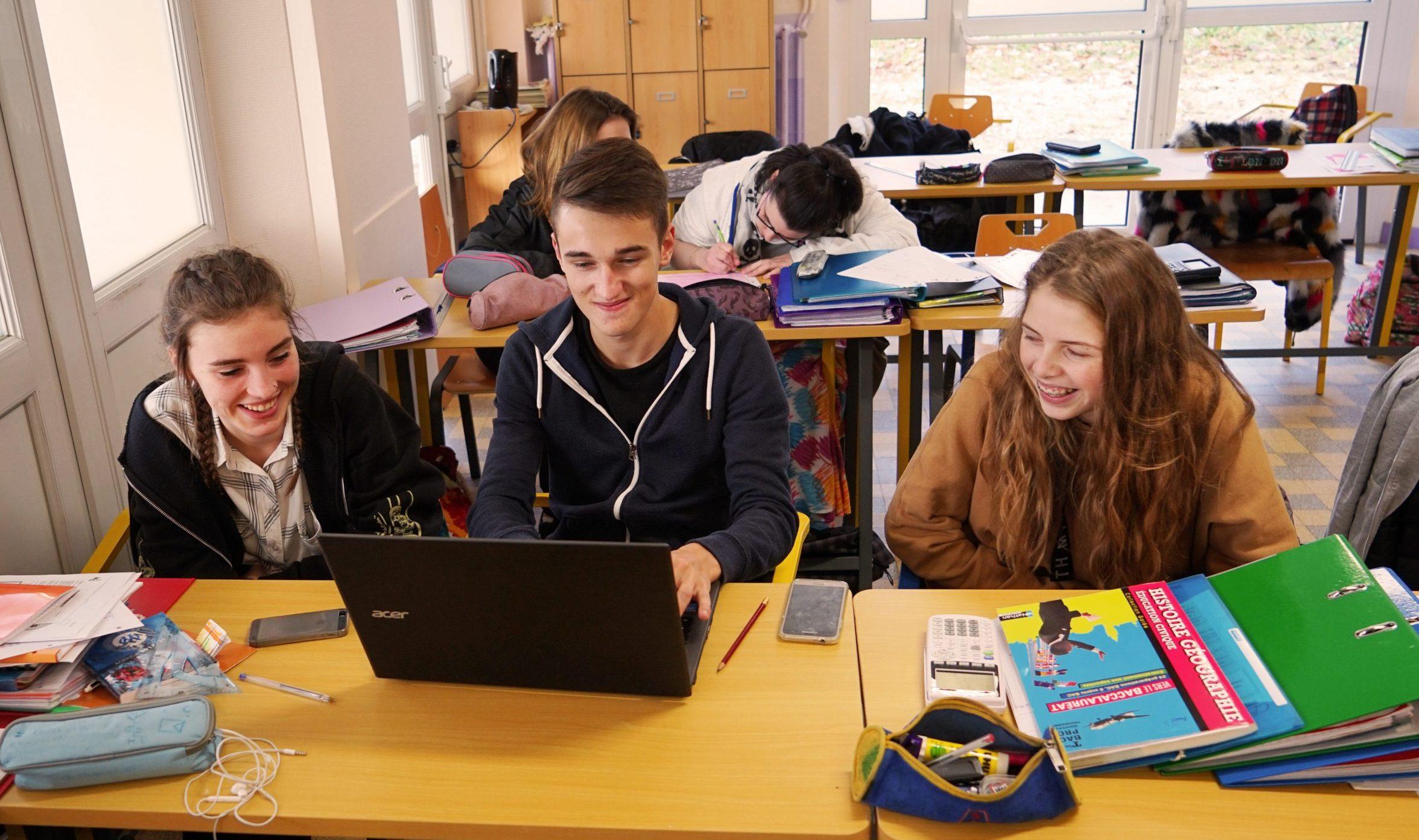 Etudiants à la MFR de FYE